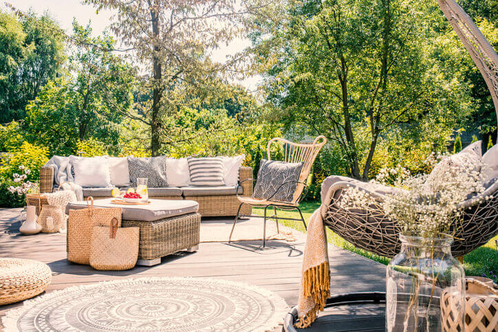 7th State Builders - Deck Vs Patio - Featured Blog IMG